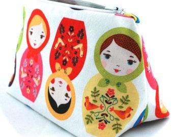 Matryoshka Makeup Bag in Babushka Russian Doll Cotton Print - Cosmetic Bag, Gift for Her, Birthday Gift