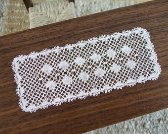 miniature lace table runner 1 inch scale
