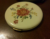 Ladies 1940s Compact - VINTAGE - NEVER USED - Max Kaplan