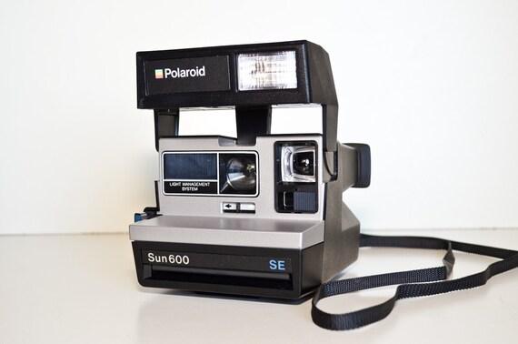 Polaroid Camera Sun 600 SE