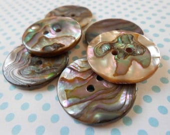 Buttons Mother of Pearl Natural 6 pcs