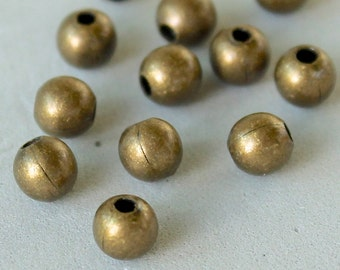 8 ANTIQUED Gold ROUND Beads - 4mm Antiqued Gold Plated Brass Round Beads - Wholesale Beads - Ref 3406
