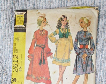 Vintage Pattern Mod Mid Century Dress 3 Versions with Bolero and Embroidery Transfer.