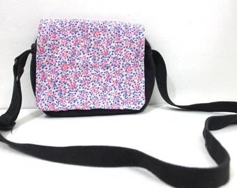 SALE Vintage Retro Fabric Flowered Messenger Bag