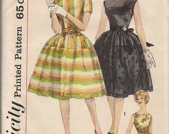 1960's Printed Sewing Pattern Simplicity 3914 Misses one-piece dress size 16 bust 36