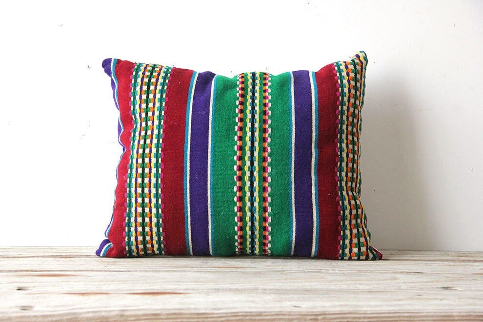 Throw Pillows Uncovered : Handwoven Pillow
