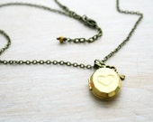 Vintage Locket Necklace. Vntage Heart pendant antique gold. Locket vintage look.  Ready to ship. Small heart and key necklace. Skeleton key