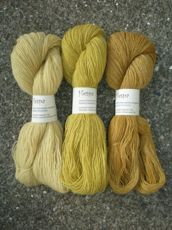 "Make your own Icelandic ""Hyrna"" shawl"