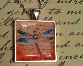 Dragonfly Glass Pendant - FREE SHIPPING!