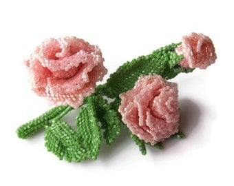 Mini rose brooch. Seed bead rose flower brooch. Beaded brooch.
