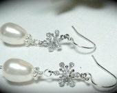 Snowflake earrings - Pearl Drop earrings- Sterling silver - Swarovski Crystal Flakes - Beautiful winter jewelry-