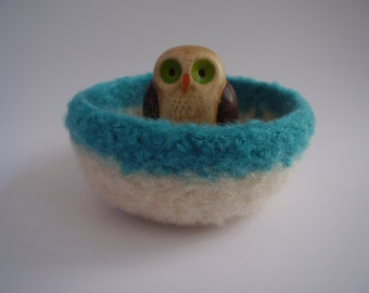 wee felted bowl ring holder treasure dish turquoise and cream