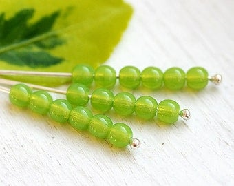Grass green beads, Czech glass beads, round spacers, druk, pressed beads - 4mm - approx.80-85Pc - 1106