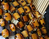 Animal Print Design Lampwork Glass Beads (12 beads pack) L10111