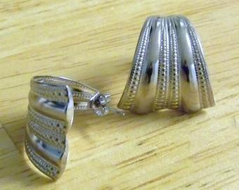 Vintage AVON Silvertone Hoop Pierced Earrings / Ribbed and Beaded Design Demi Hoops