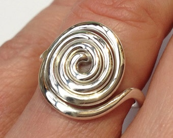 Celtic Spiral RIng in Silver