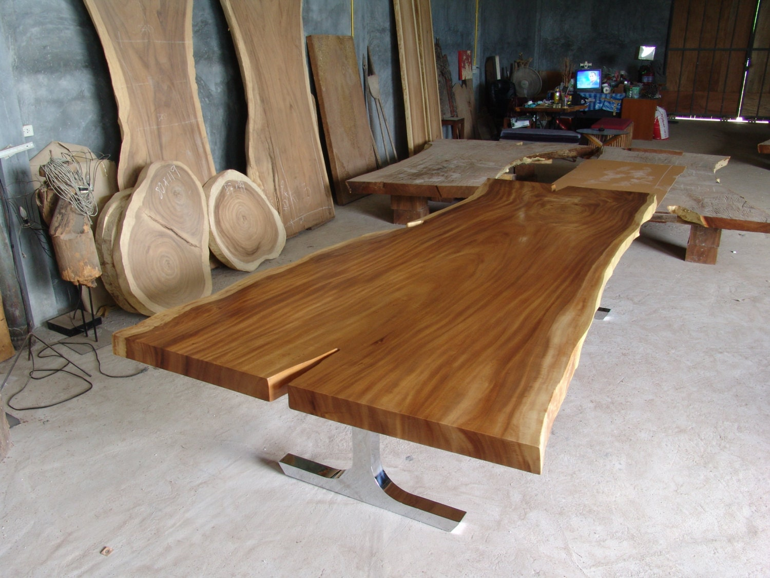 Live edge dining table reclaimed solid slab acacia wood 10 to for 10 person dining table for sale