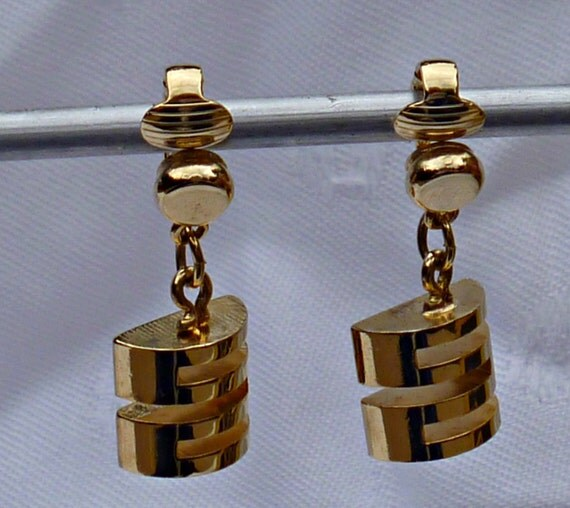 Park Lane Clip Earrings Mod Style Goldtone