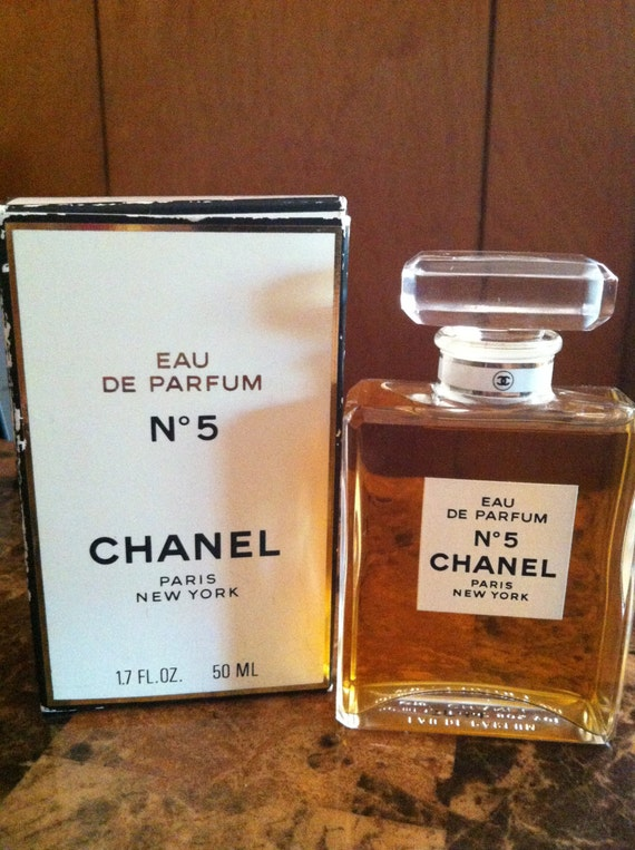vintage crystal bottle chanel no 5 eau de parfum. Black Bedroom Furniture Sets. Home Design Ideas