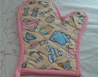 Quilted Vintage Appliance Oven Mitt Turquoise and Pink on Beige Background