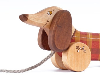 Wooden Dachshund Toy, Personalized Dog Toy, Wood Pull Toy for Toddlers