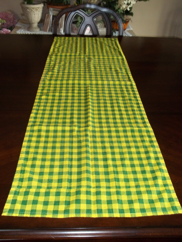 John Deere Cafe Table : Table runner john deere green plaid