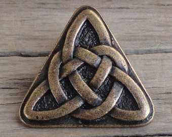 Celtic Knot Triangle Buttons - Antique Brass / Gold Metal Buttons with Shank - 7/8 inch