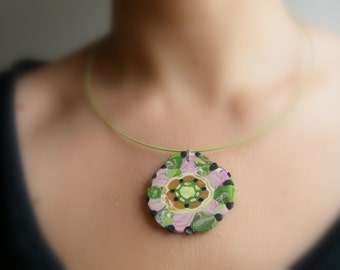 Green steel wire necklace with flower polymer clay pendant