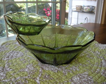 Vintage Green Glass Chip and Dip Bowl Set