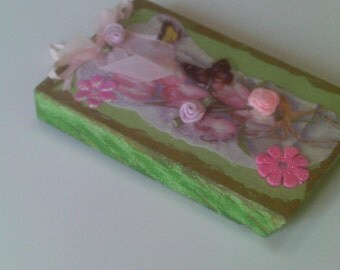Spring Shabby Chic/Cottage Chic  Wall  Decor, Wall Hanging, Spring Flowers in Bloom,  Wall Decor