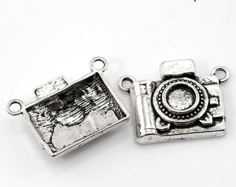 SALE 5 Silver Camera Charm Connectors - Antique Silver - 23x17mm - Ships IMMEDIATELY from California - SC607