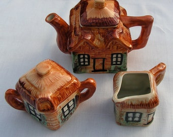 40s 50s Cottage Teapot Sugar and Creamer Set from Japan