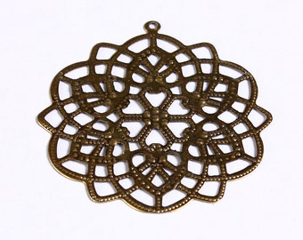 48mm x 44mm Antique brass large flower filigree pendants - antique brass round charm (904) - Flat rate shipping