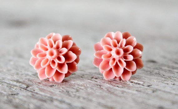 Post earrings - stud earrings - chrysanthemum earrings - peachy pink earrings - flower earrings - salmon earrings - bridesmaid earrings