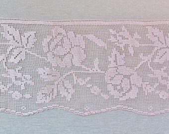 Antique wide filet lace with rose pattern, Victorian lace, c.1900 lace edge trim