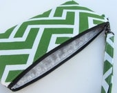 Wristlet in Organic Black Canvas, Organic Green Zig Print and Organic Grey Lining