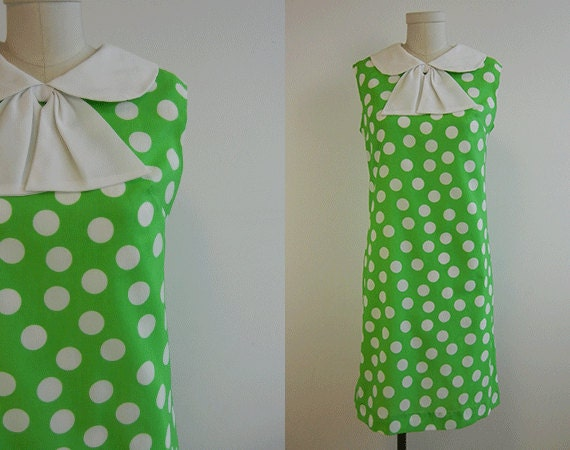 Vintage 1960s Dress / Green and White Polka Dot Crepe Day Dress with Peter Pan Collar and Bow