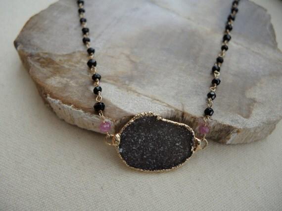 Druzy Necklace (Jasper Quartz Druzy Gray With Black Garnet, Pink Sapphire Necklace) Druzy Stone Necklace Druzy Jewelry Black Garnet Necklace