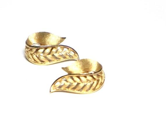 Crown Trifari, Vintage Earrings, Leaves, Brushed Gold, Open Metalwork, Elegant Clip Earrings, Bridal Earrings