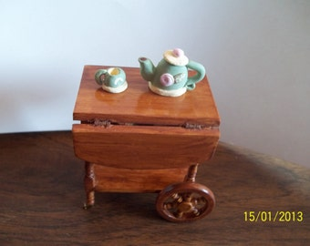 DollhouseTea Cart with Tea Pot
