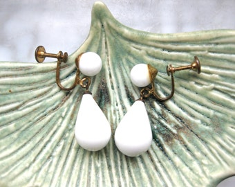 White Dangle Earrings Screw On Vintage Drop Bead Fashion Jewelry Wedding Bridal Gift for Her