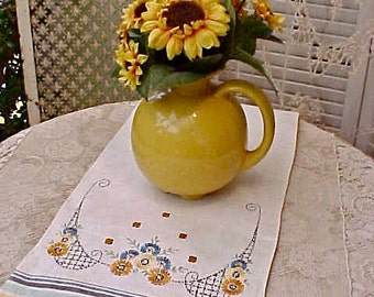 Charming Vintage 1930's Linen Table Runner with Embroidered Daisy Motif in Great Colors