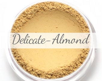 Vegan Mineral Foundation Sample - Delicate Formula ALMOND - light/medium shade with a yellow undertone