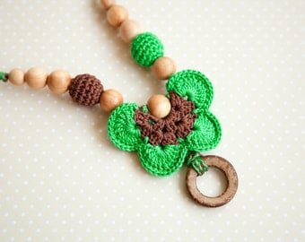 Green Grass Breastfeeding necklace with coconut ring - teething toy - Teething Necklace - Breastfeeding necklace