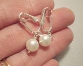 Clip On Pearl Earrings Clip On Earrings Bridesmaids Earrings White Pearl Earrings Wedding Jewelry