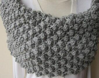 Women's knitted scarves-Grey knit scarf, chunky, neckwarmer, Knit Infinity scarf,knit COWL -warm men's women's winter Fashion accessories