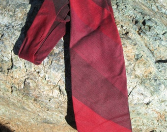 Mr SYD Men's Tie -Thick Red diagonal stripes - Polyester and Wool - Retro clothing - Men's apparel - Suit Accessory