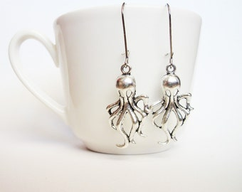 octopus earrings, silver octopus jewelry, cthulhu earrings, silver earrings, whimsical jewelry, dangly earring, cute animal, squid earrings