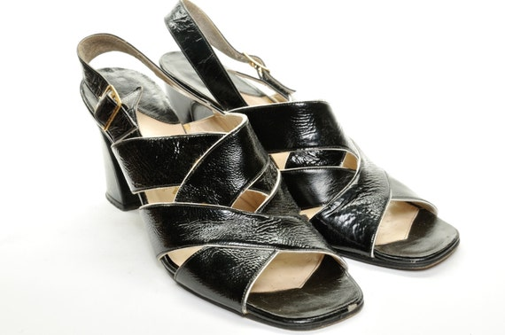 Black & White Leather Sandal (Size 7)