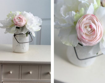 Cheery Pink & White Floral decor